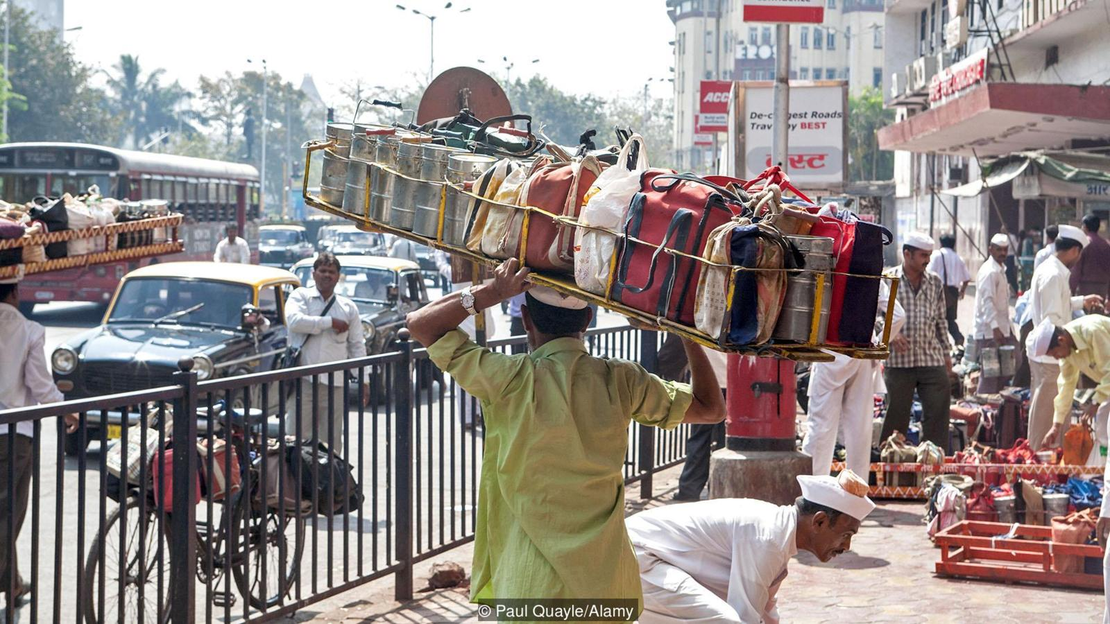 Dabbawallahs. Mumbai, India. Creditos:  BBC/Paul Quayle/Alamy. La innovación frugal en acción.
